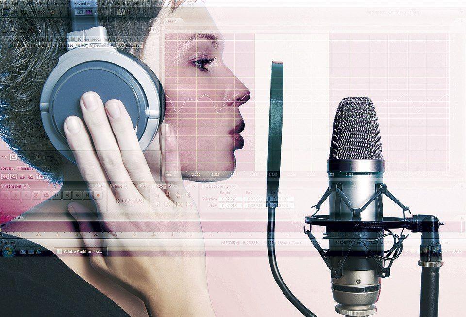 FII TU VOCEA RECLAMELOR RADIO-TV! – DICȚIE.RO ORGANIZEAZĂ ÎN MARTIE CURS DE VOICE-OVER – VIDEO