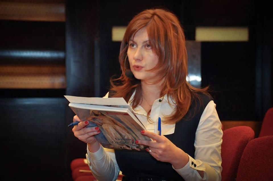 """Carmen Ivanov: """"Pun un diagnostic al vorbitorului în 60 de secunde"""""""