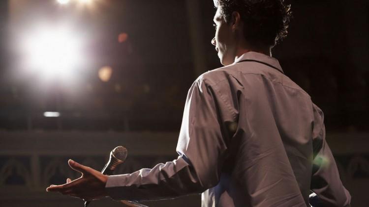 Cum scrie un vorbitor în public, și invers