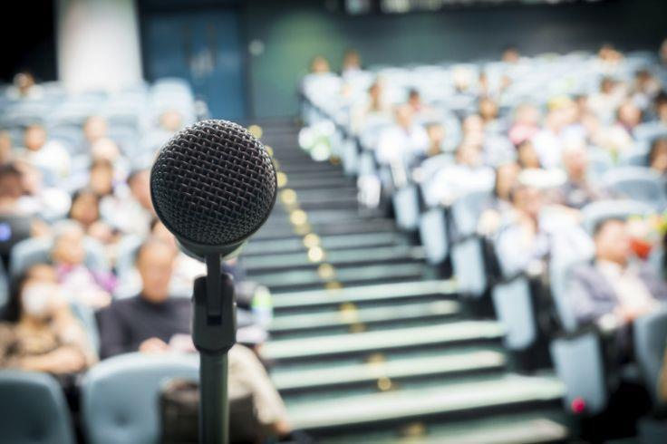 Public speaking de începător: 8 greșeli frecvente