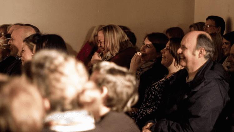 Cum să folosești umorul într-un discurs