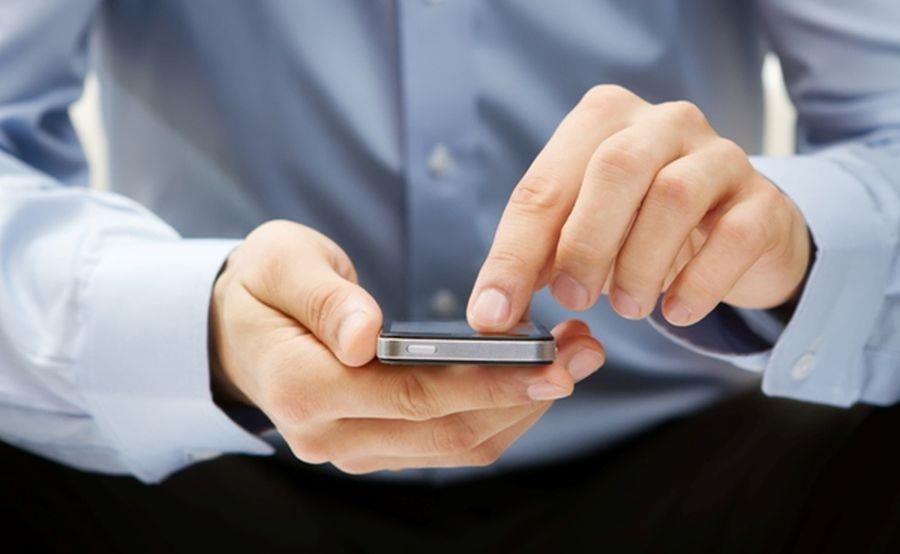 """Cum să rezolvi problema """"sms-iștilor"""" în timpul discursului"""