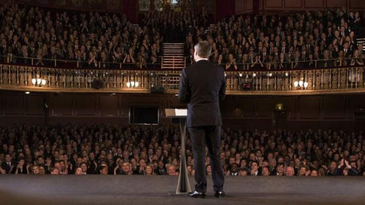 Cum să devii un super-vorbitor în public