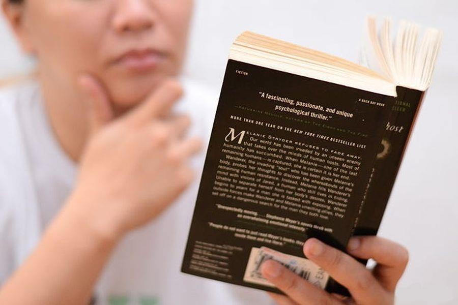 Cum să citești cu voce tare fără să-ți obosească vocea