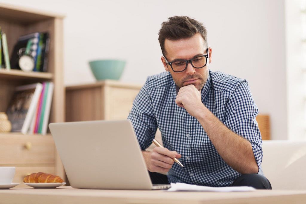 6 cuvinte pe care n-ar mai trebui să le spui la serviciu