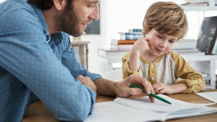 Cum îi facem pe copii să vorbească mai mult