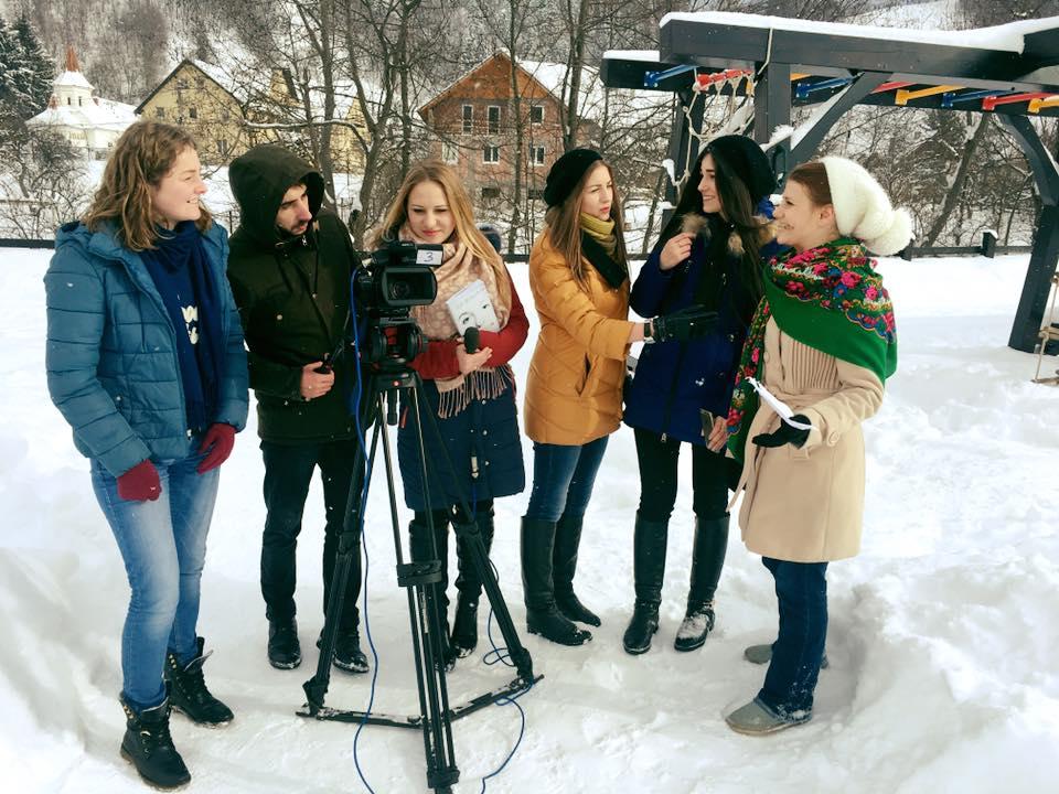Training de dicție și știri TV pentru jurnaliști din Republica Moldova, la Bran