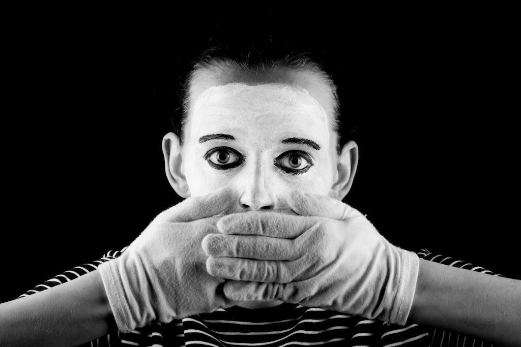 Ce s-ar întâmpla cu vocea ta dacă nu ai mai vorbi?