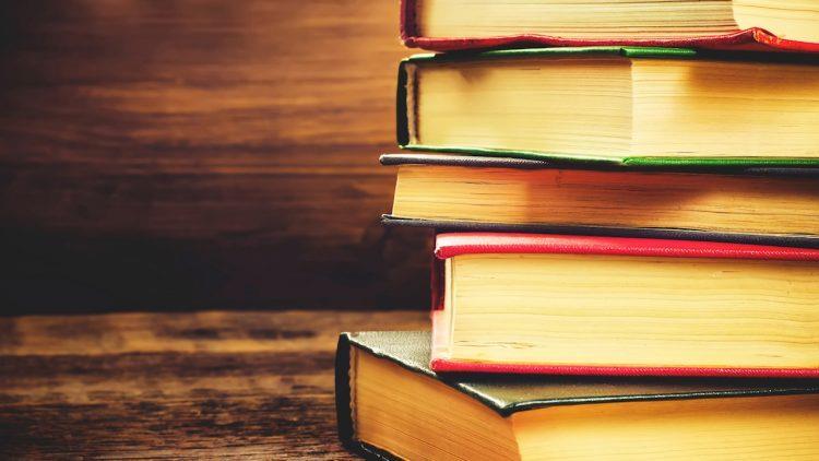 Un CEO citește o carte pe săptămână. Cât citește un român?