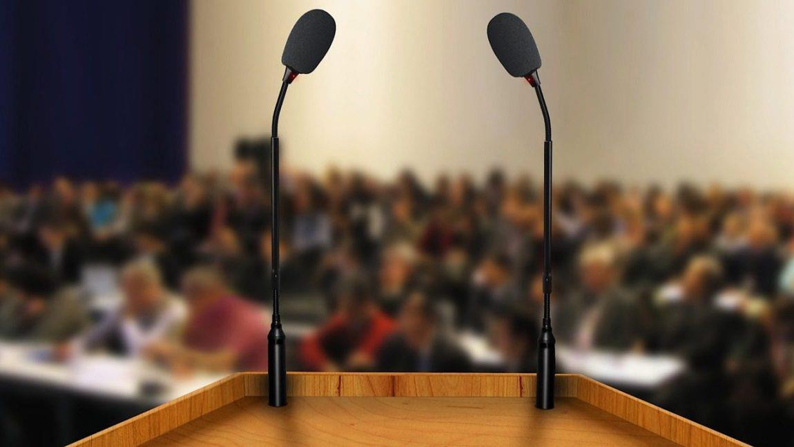 De ce e bine să ai o audiență mare atunci când vorbești în public?