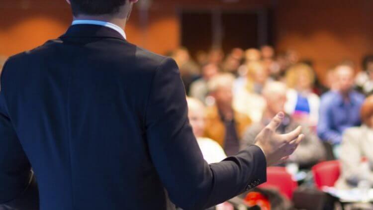 10 sfaturi pentru vorbitul în public