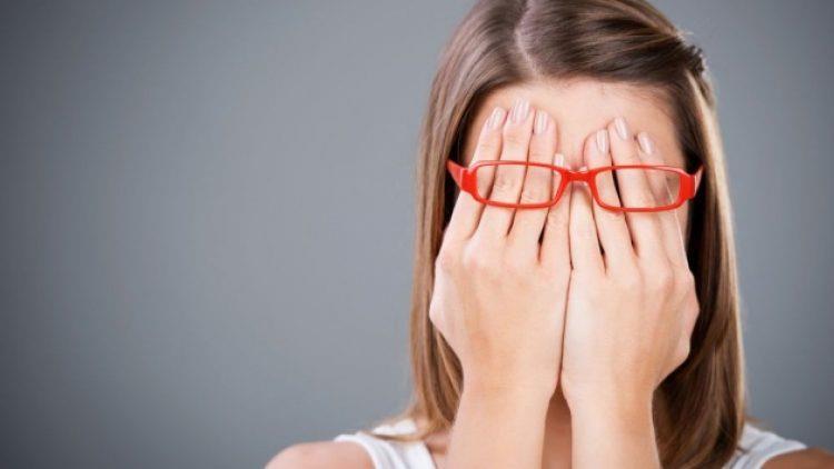Cum să te faci auzit într-un grup dacă ești timid