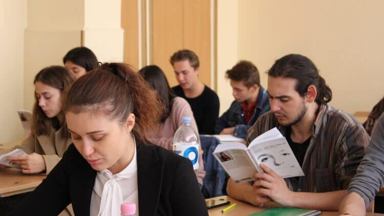 ICR și Dicție.ro au deschis Școala de retorică a tinerilor basarabeni, la Chișinău