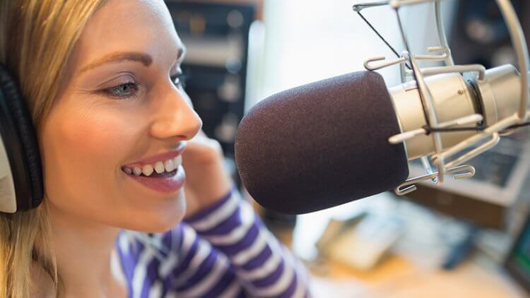 Voice-over: ce abilități trebuie să ai pentru a face reclame