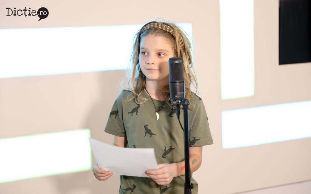 Copiii au învățat să citească știri la Școala TV Dicție.ro – ASCULTĂ REPORTAJUL