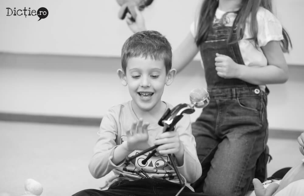 Școala TV pentru copii – Înscrierile continuă