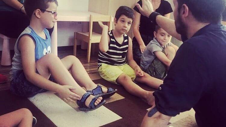 Cursuri de dicție gratuite pentru copiii de la centrul Autism Voice