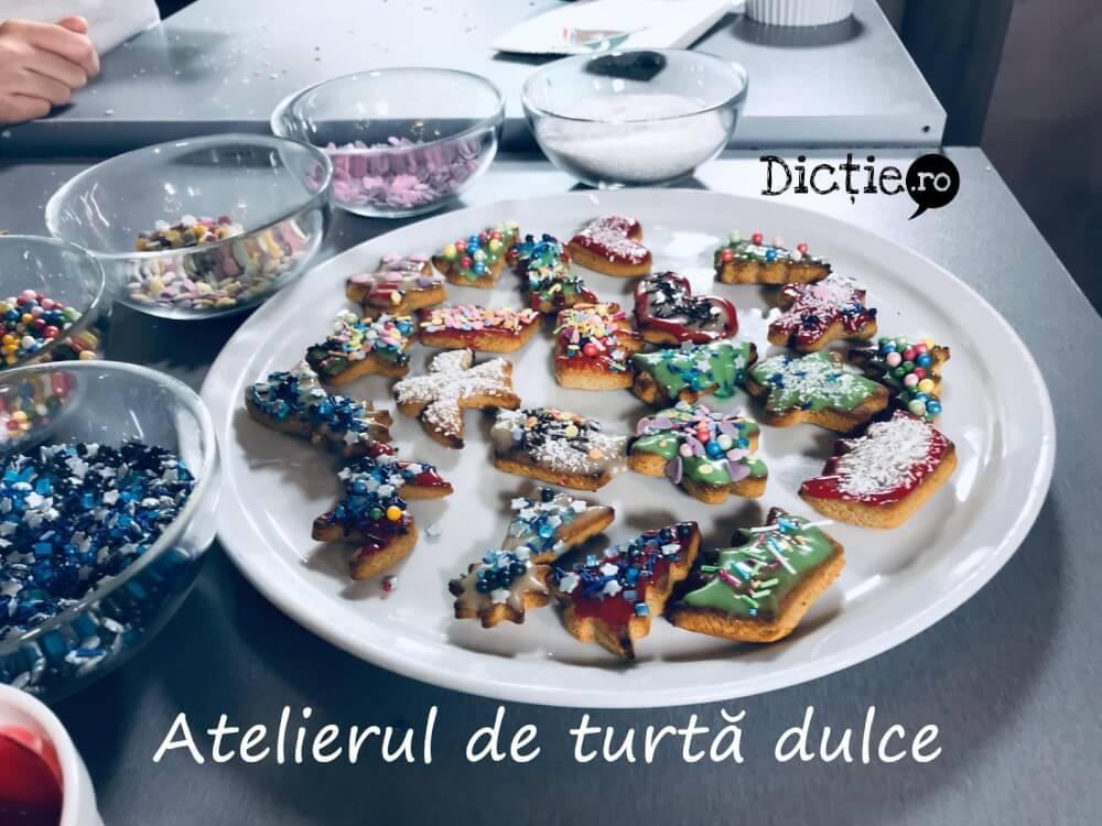 Școala TV pentru copii: Atelierul de turtă dulce al lui Moș Crăciun – VIDEO