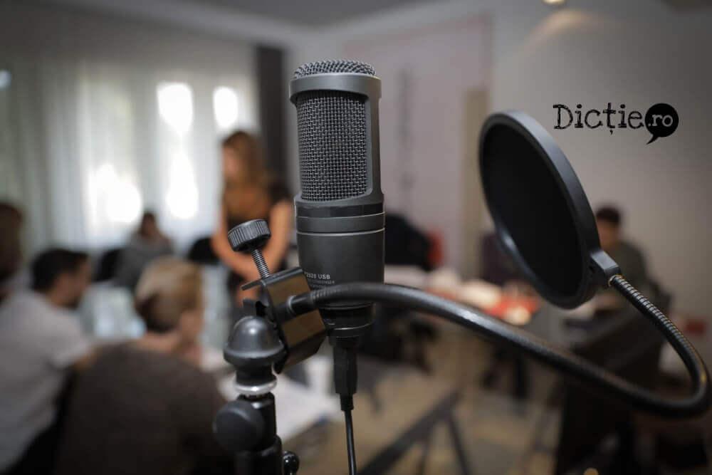 De ce să faci un curs de voice-over – beneficii
