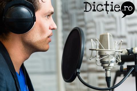 Voice-over: 3 secrete simple pe care le folosesc profesioniștii