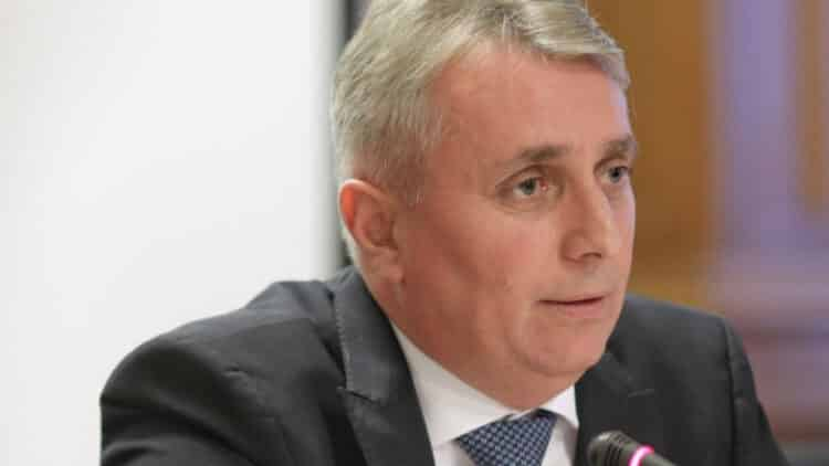 Ministrul de interne, Lucian Bode, a inventat un cuvânt nou: zdruncinează