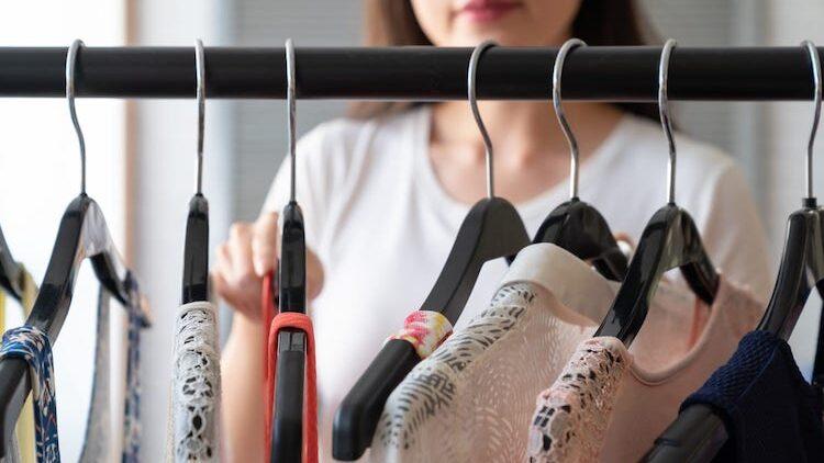 Top 5 greșeli din dulapul cu haine