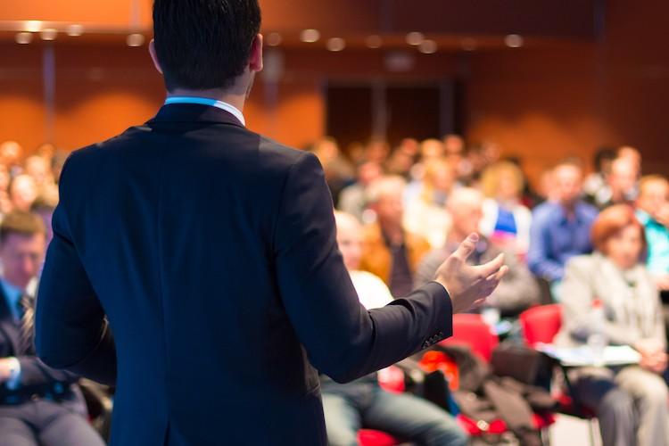 Public speaking: 3 tipuri de analiză înainte de a vorbi în public